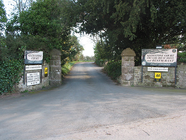 Entrance to Glewstone Court Hotel