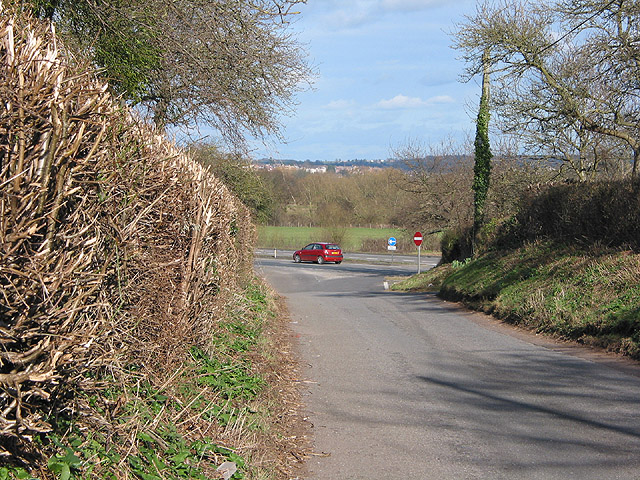 Joining the A40 NE of Glewstone