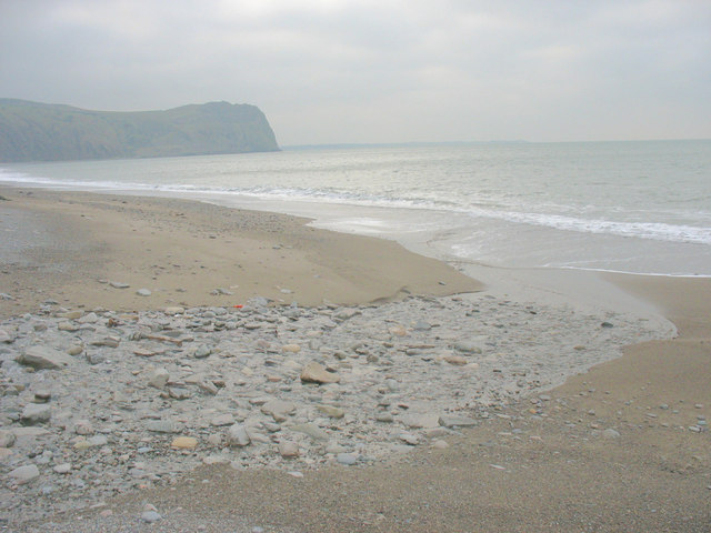 The mouth of Afon Nant Gwrtheyrn at low tide