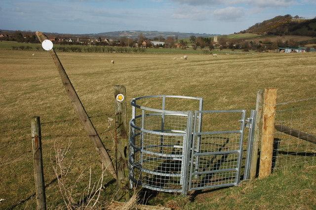 Kissing gate near Oxenton