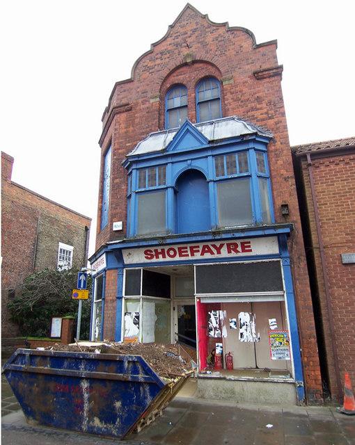 Decayed Shop, Wrawby Street
