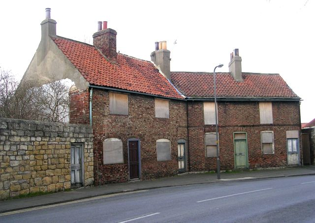 Derelict property - Wighill Lane