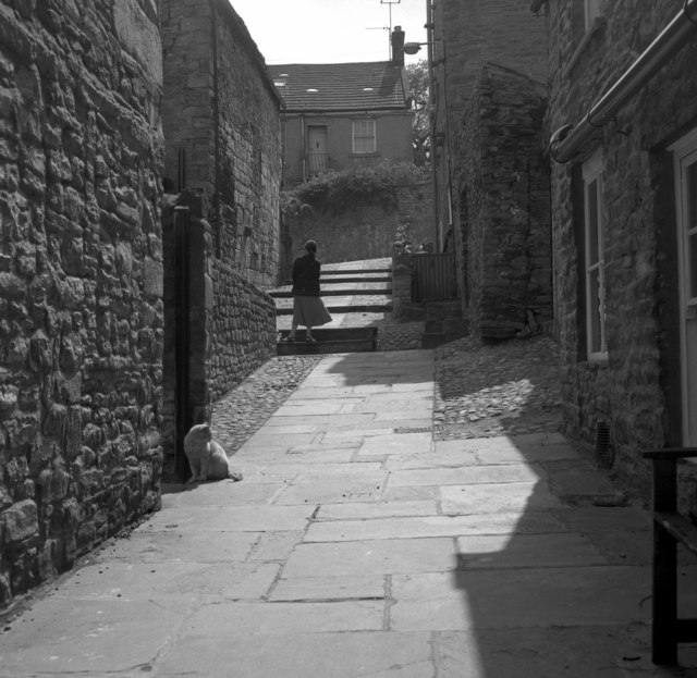 Public footpath, Middleham