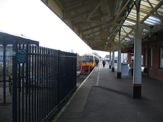Platform 5 - The Reading Train