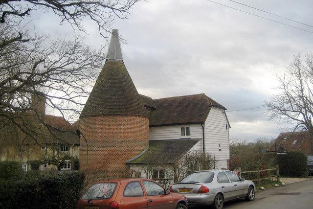 Weaversden Oast, Biddenden Road, Frittenden, Kent