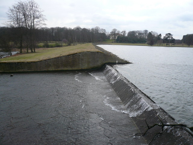 Thoresby Lake - Weir