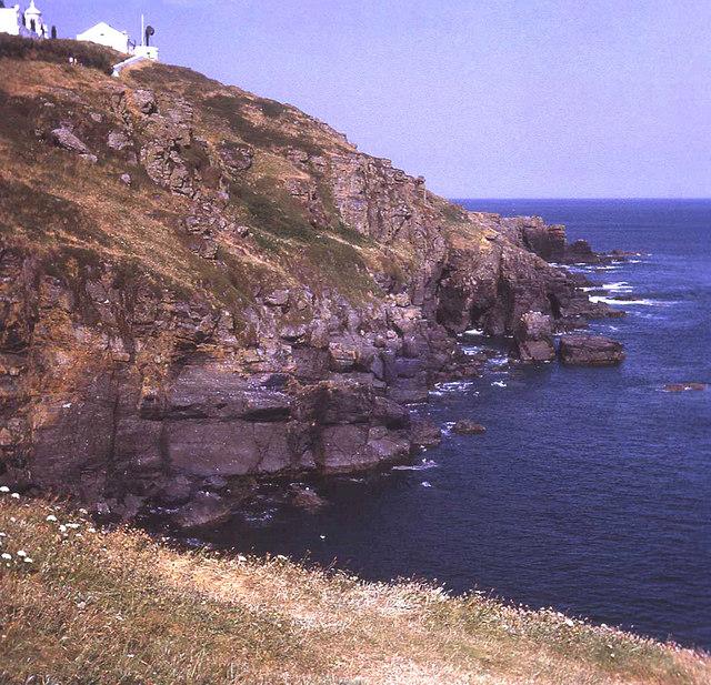 Cliffs below the Lizard Lighthouse
