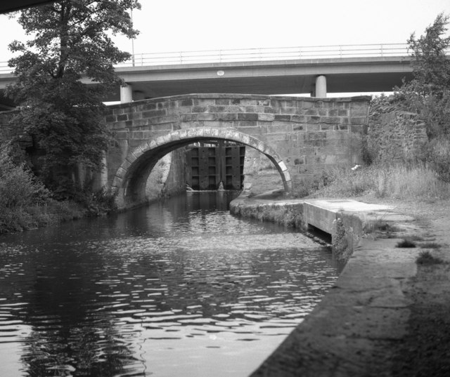 Barrowford Road Bridge 143 and tail of Lock No 49