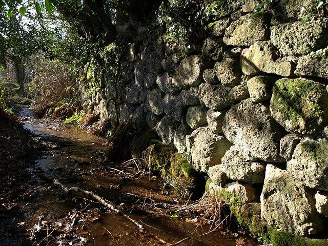 Wall at edge of Padley Common