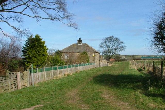 Footpath to West Field Farm