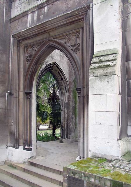St Dunstan in the East, St Dunstan's Hill, London EC4 - Doorway