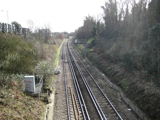 Erith: Railway line to Slade Green