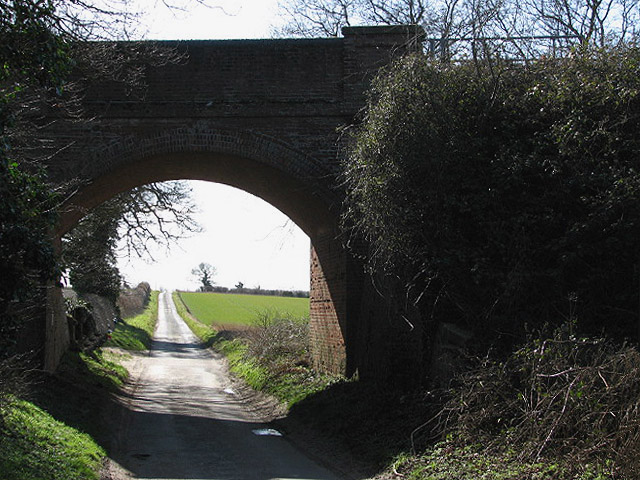 View south along a quiet country lane