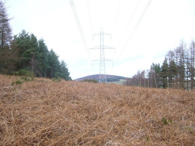 Pylons to the NorthEast of Meikle Tap