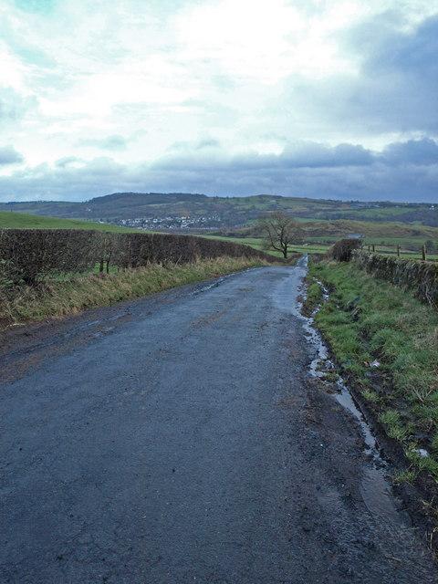 View towards Howwood from Crossflat Farm road end.