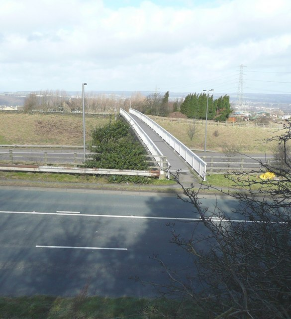 Footbridge over the M62, New Hey Road, Fixby