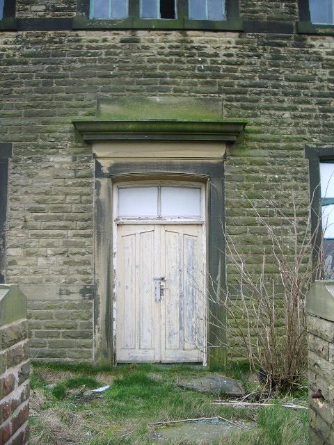Green Haworth Wesleyan Chapel, Doorway