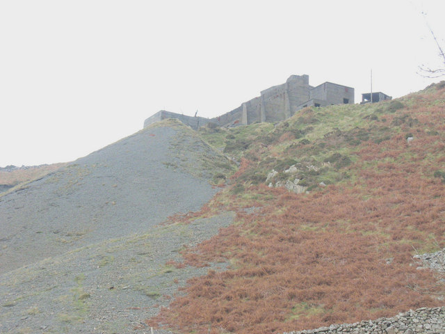The Caernant crusher and incline from near Ty Uchaf