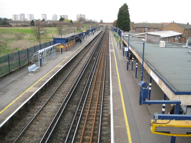 Slade Green railway station (1)