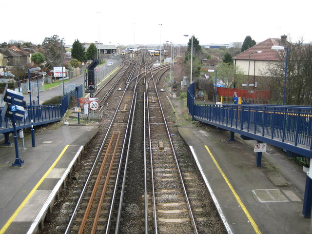 Slade Green railway station (2)