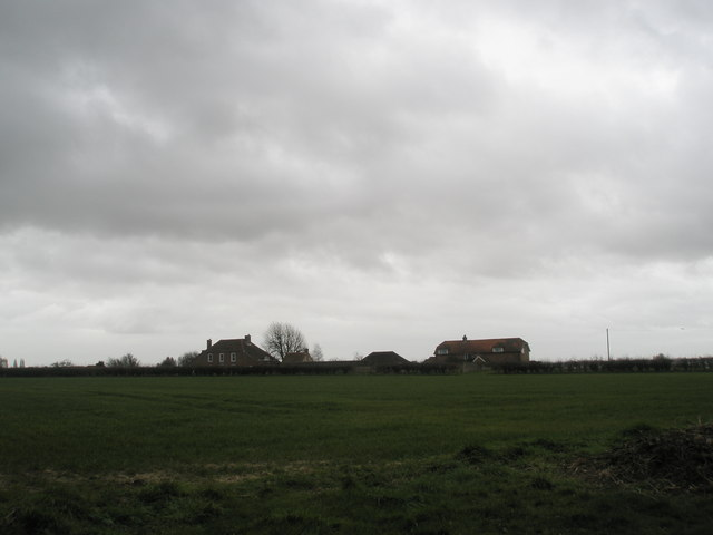 Compass Barn and Colner House from Newells Lane
