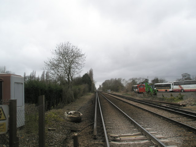 Looking west down rail track at Mudberry Lane