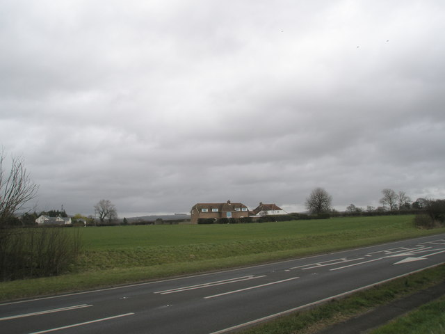 Compass Barn and Colner House from the A259