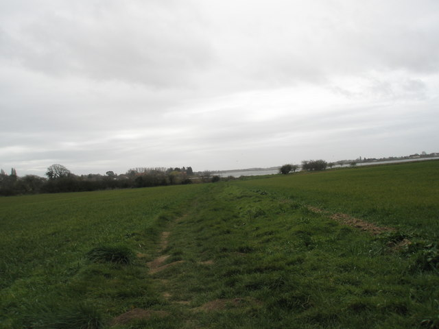 Looking south down footpath from A259 to Bosham shoreline