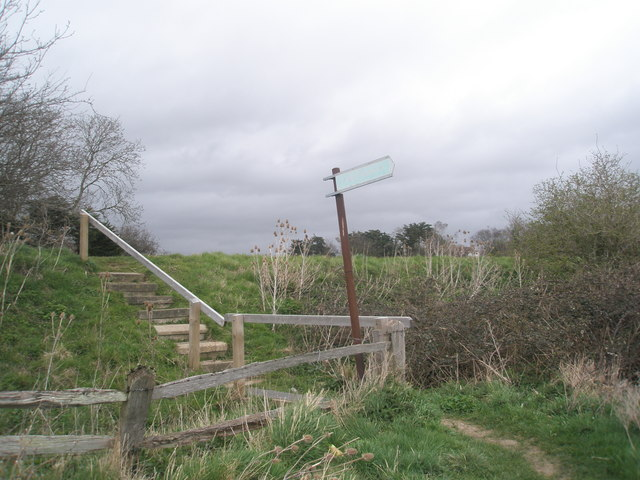 Steps up to A259 from shoreline footpath at Bosham