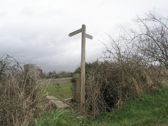 Footpath junction at Bosham shoreline