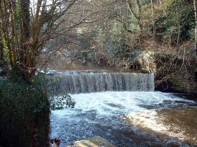 Weir on River Goyt at Roman Lakes