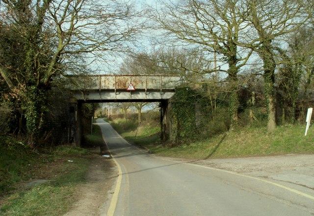 Railway bridge over Ferry Road at Creeksea