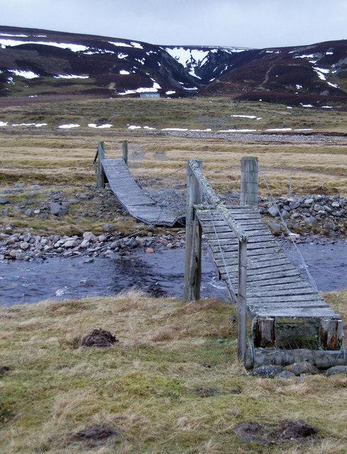 Footbridge over Feithlinn