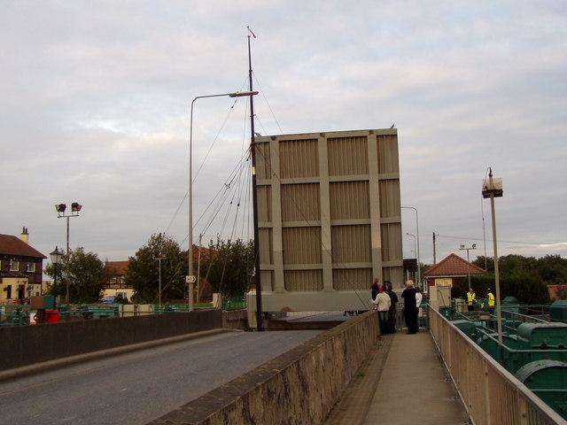 Lifting Bridge at Ferriby Sluice