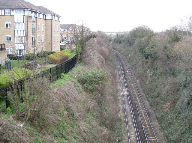 Dartford: Railway line from the St Vincents Road bridge (2)