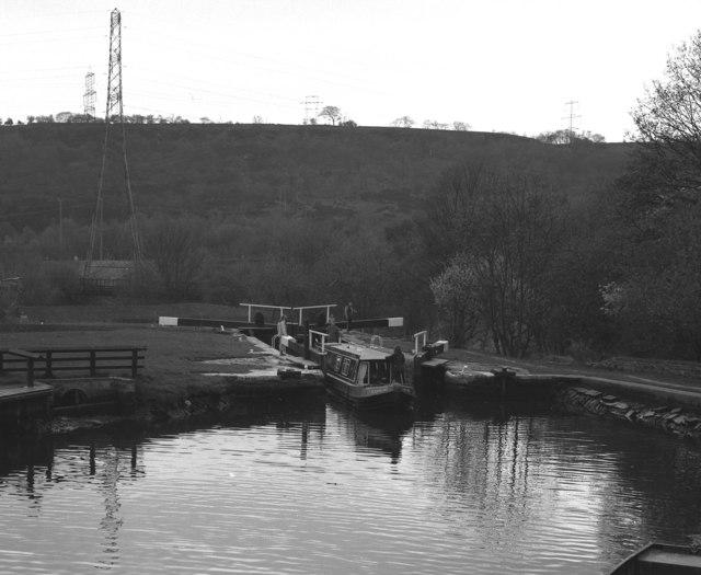 Salterhebble Middle Lock, Calder and Hebble Navigation