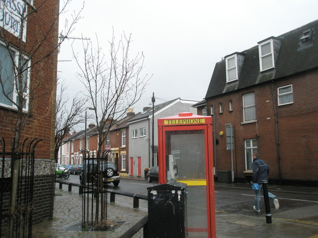 Phone box on the corner of Bramble Road