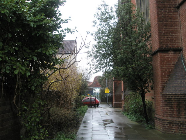Church path at the Holy Spirit, Fratton