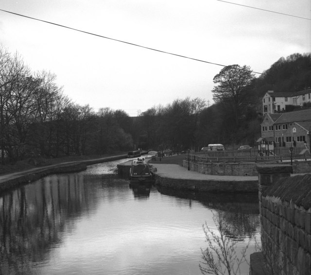 Salterhebble Junction, Calder and Hebble Canal