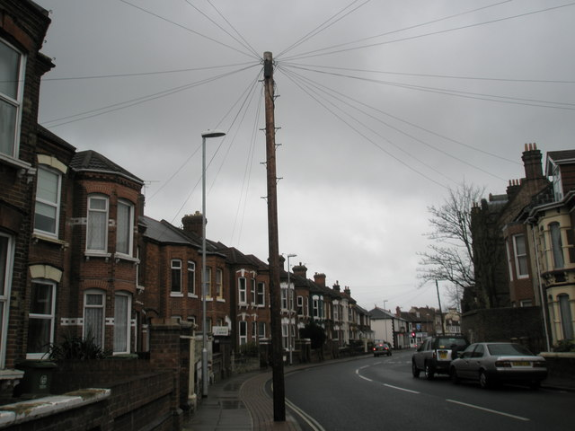 Bend in Lawrence Road