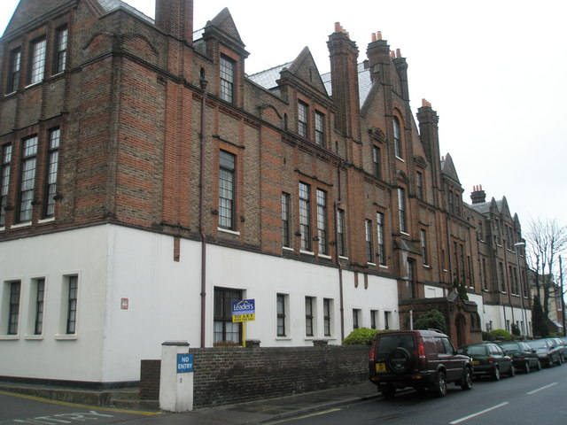Brandon Court, Lawrence Road