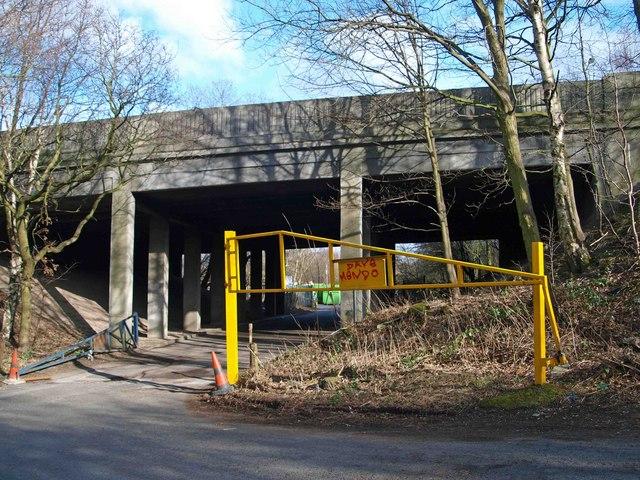 Entrance to 'Dump it' site