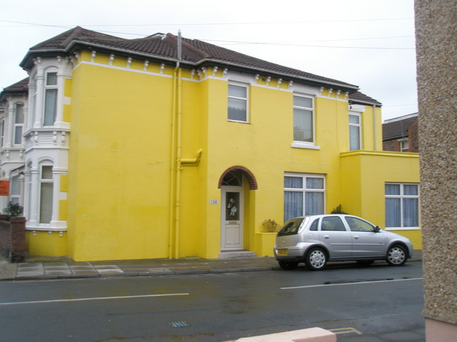 Mellow yellow in Rochester Road