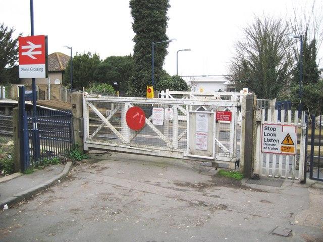 Stone Crossing railway station level crossing