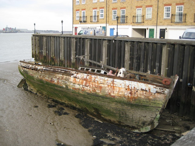 Greenhithe: Former wharf and River Thames foreshore