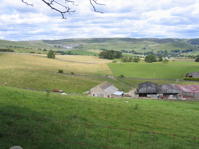 Micklaw Barn and view to Malham Cove