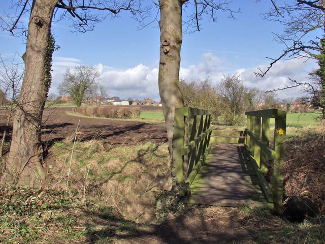 Everthorpe footbridge