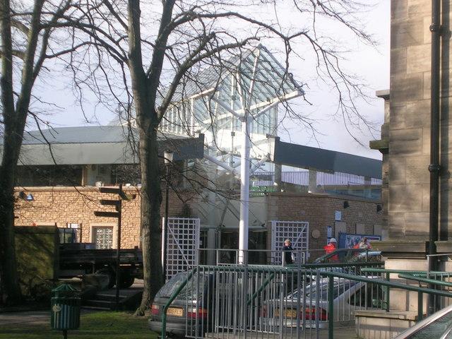 Kirkcaldy Railway Station (Main Entrance)