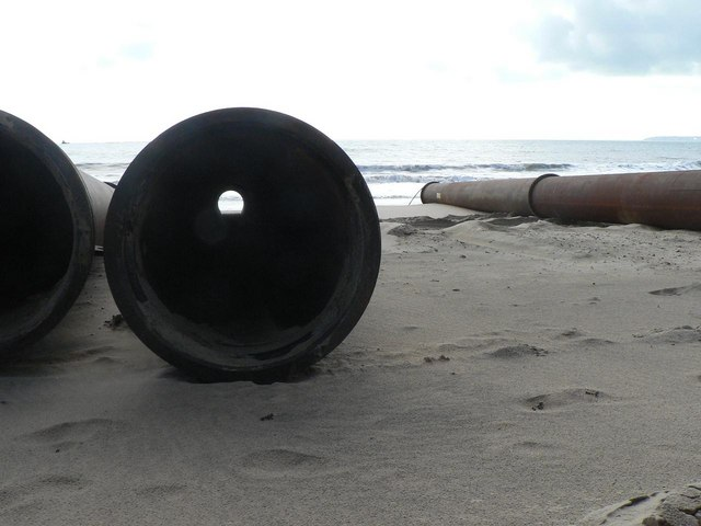 Southbourne beach replenishment: view through a pipe