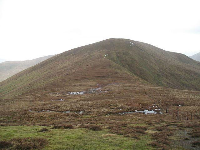 Col below Beinn Tharsuinn